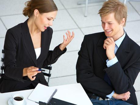 Dos personas hablado, resolución de conflictos