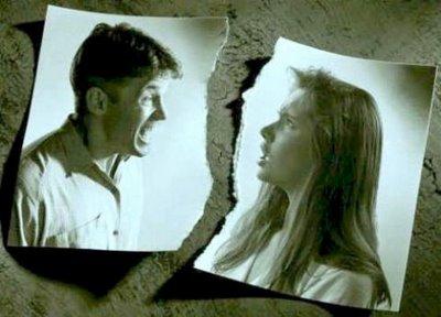 foto de pareja rota por la mitad. Ruptura de pareja